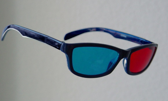red-cyan-anaglyph-glasses