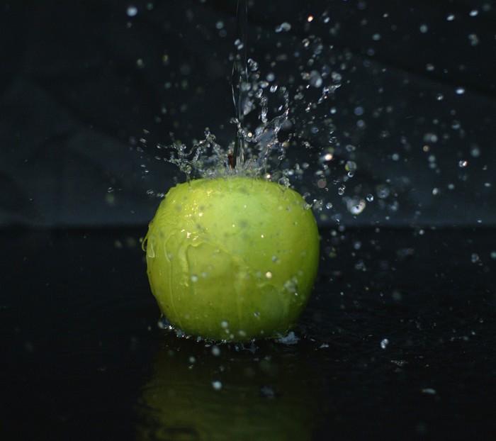 Moto-E-Wallpaper-Burst-of-Freshness