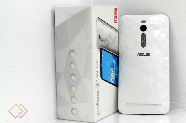 Asus_Zenfone_Deluxe_Review_Back