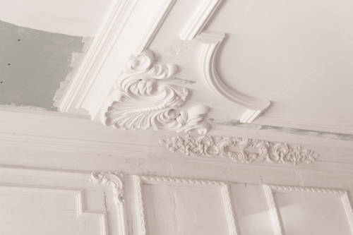a highly detailed crown moulding job in the victorian style