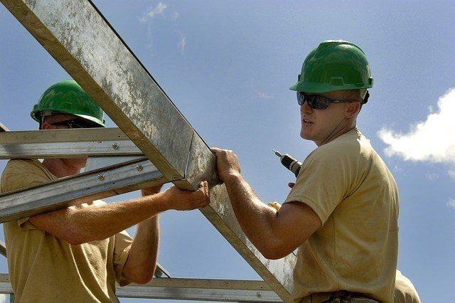 knowing the difference between an apprentice vs journeyman is the first step in beginning a potentially lucrative career in the construction trades