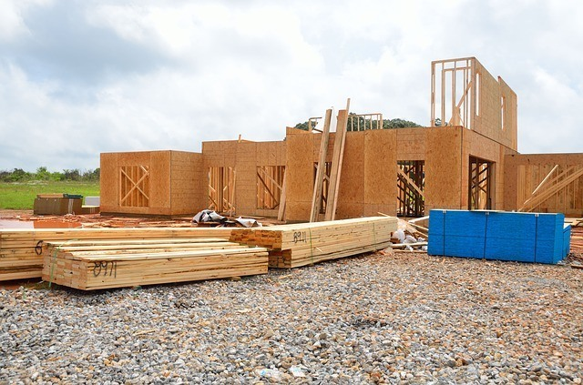 if you would like to one day get your louisiana general contractor license, you should begin with an apprenticeship program to learn a construction trade