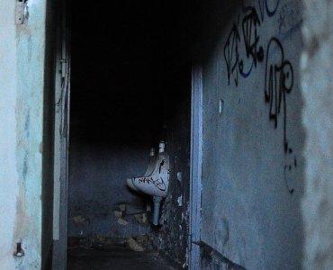 abandoned train station pissoir
