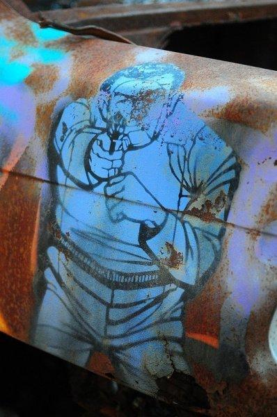gun stencil graffiti