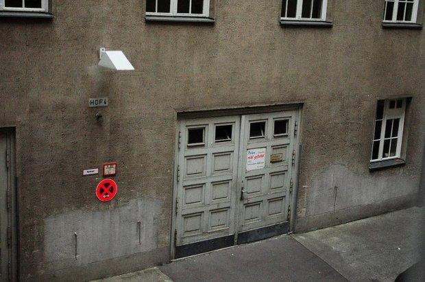courtyard rathaus schoeneberg