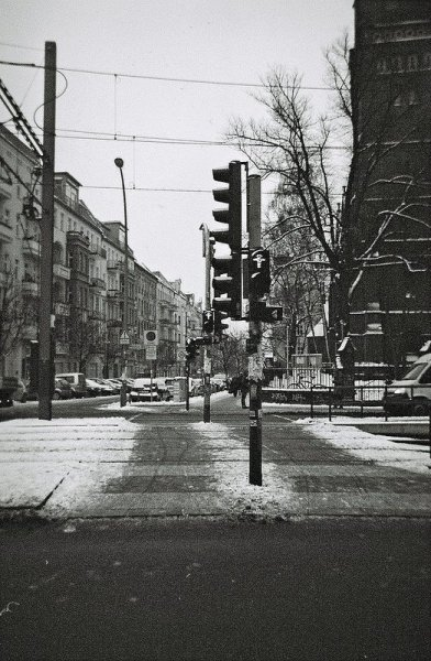 ampelman crossing berlin germany