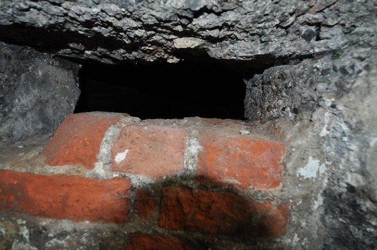fenster loch bunker auslaenderlager schoenholz