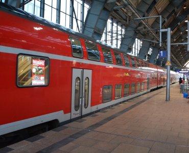 deutsche bahn regionalzug alexanderplatz berlin