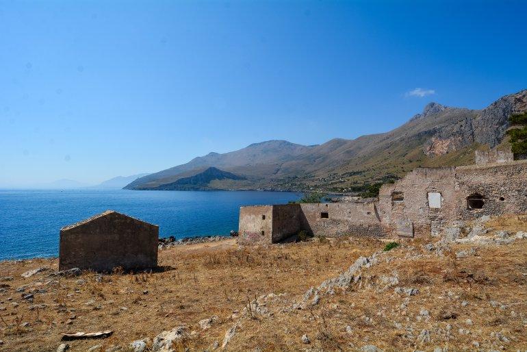 urbex lost places italy sicily san vito lo capo tonnara del secco abandoned house factory fishing