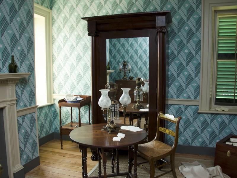 Furnishing a Bedchamber: Furniture
