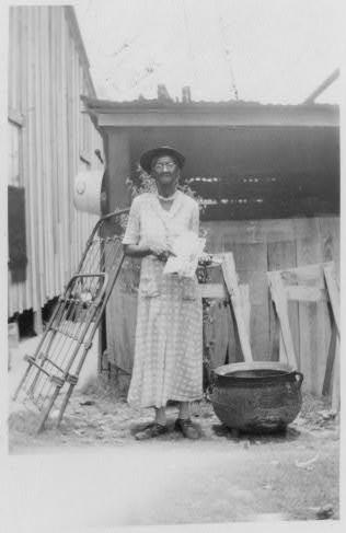 Josie Brown, ex-slave, Woodville (beaumont)