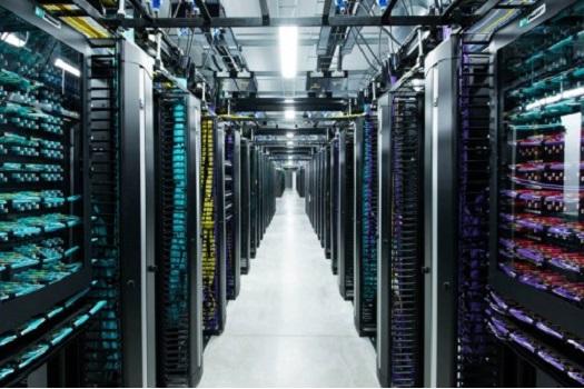 Facebook veri merkezi resimleri