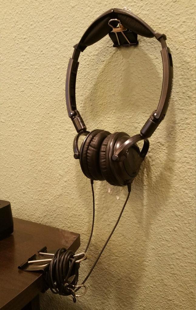 DIY Office Hacks - Headphones Cord Wrap