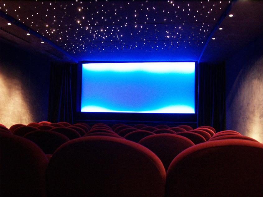 Paris_arthouse_cinema_interior.