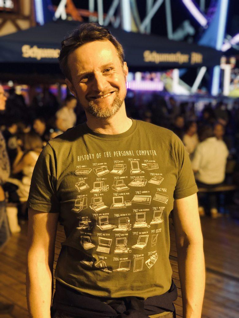 Der Autor, Andreas Steinbacher, und sein geiles TShirt - Digital Native, Digitales Leben