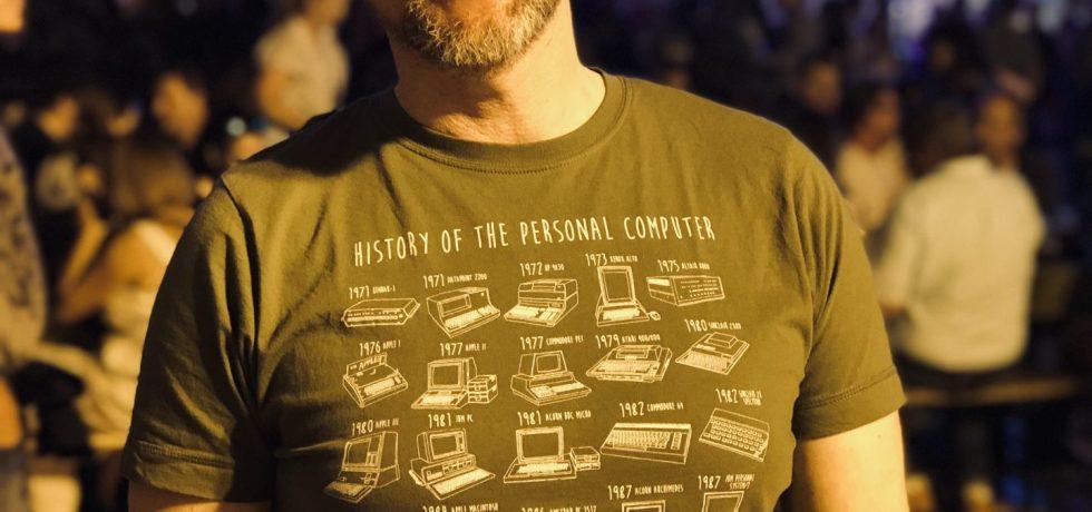 Der Autor, Andreas Steinbacher, und sein Tshirt