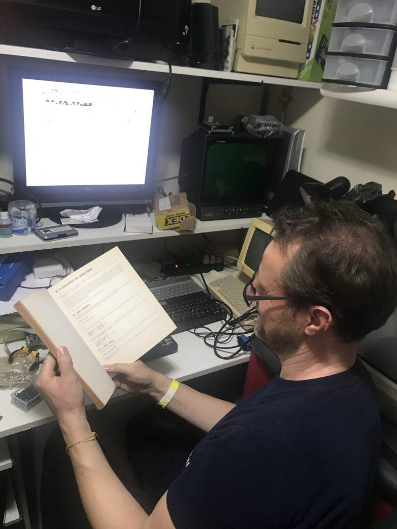 Das war das Geschenk von Juan an mich. Ein portugiesisches Handbuch zum Microdigital TK90X aus seinem eigenen Bestand