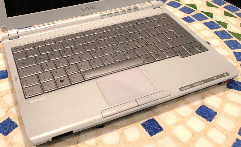 Sehr gut nutzbare Tastatur beim Subnotebook Sony Vaio VGN-TX3HP. Entwicklung der Computertastaturen