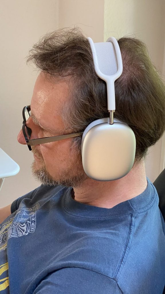 AirPods Max in Weiß