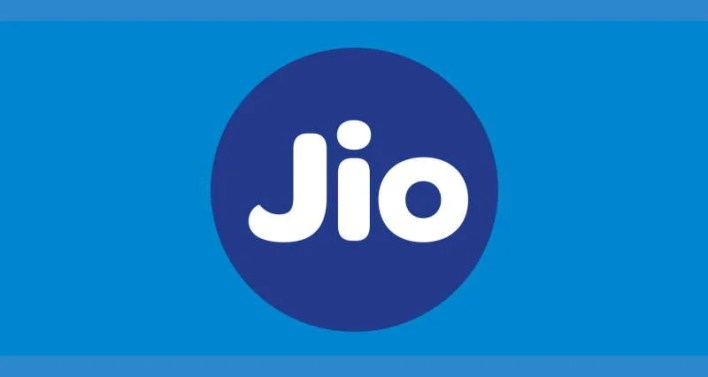 how to recharge jio number through whatsapp?
