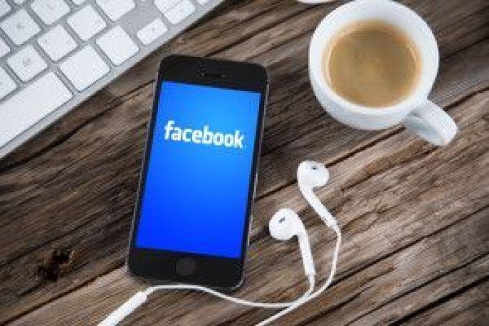 Facebook, Bente Sollid Storehaug, Digital Hverdag