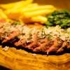 外食でふわふわオムレツとハラミステーキ