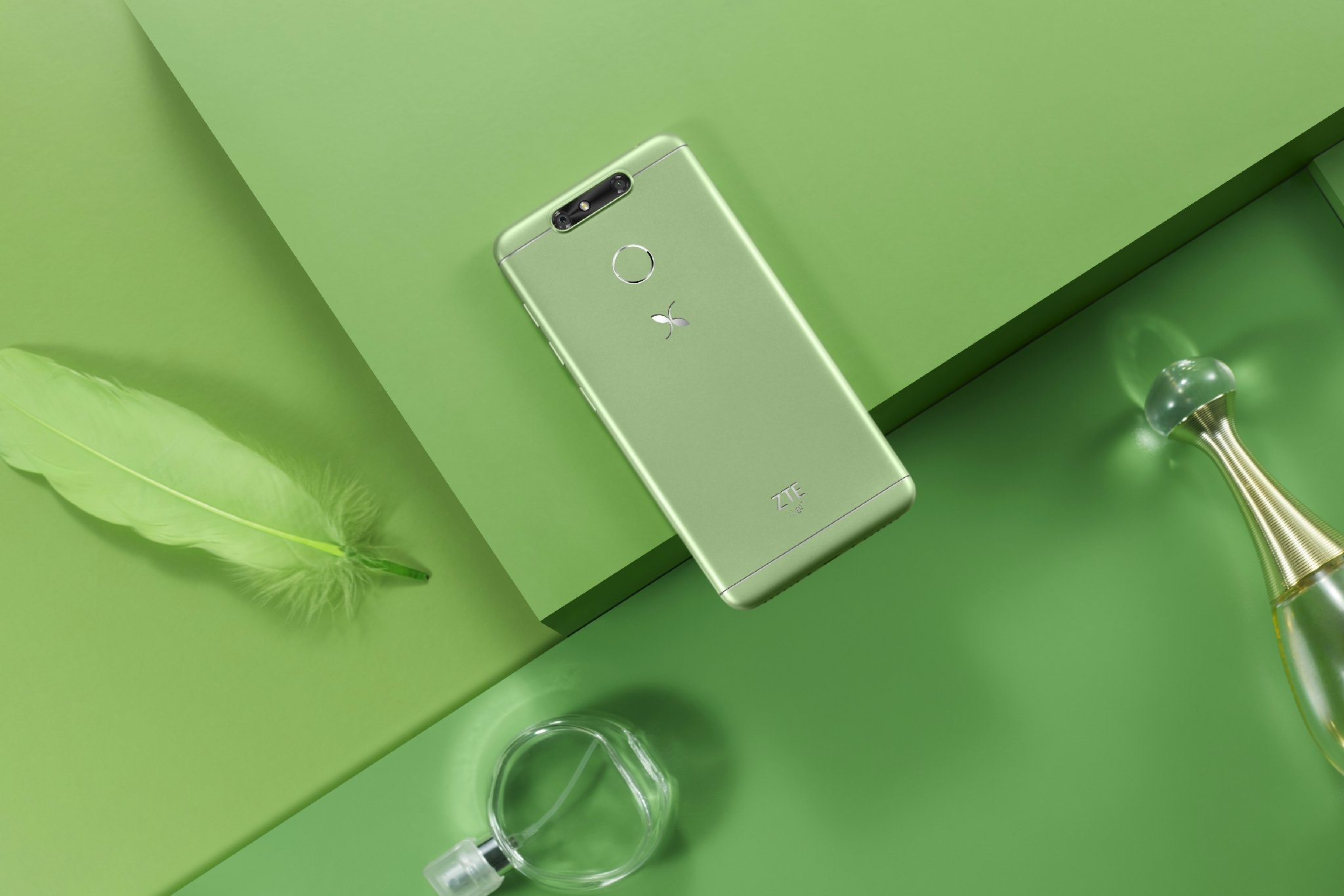Zte Small Fresh 5 Πρεμιέρα με Dual Camera, οθόνη 5 ιντσών