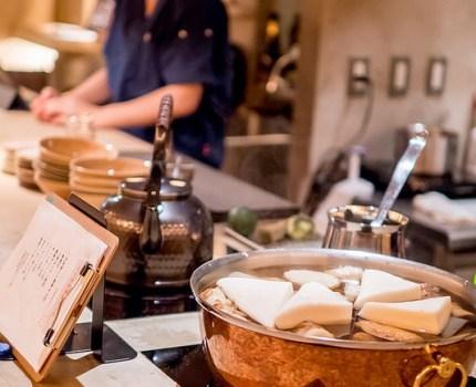 上品な立呑みで60分きき酒コース 新潟のお酒と和の肴を 恵比寿 TASHINAMI