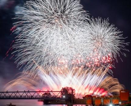 赤水門とスターマインと楽曲のコラボが良い #北区花火会2019
