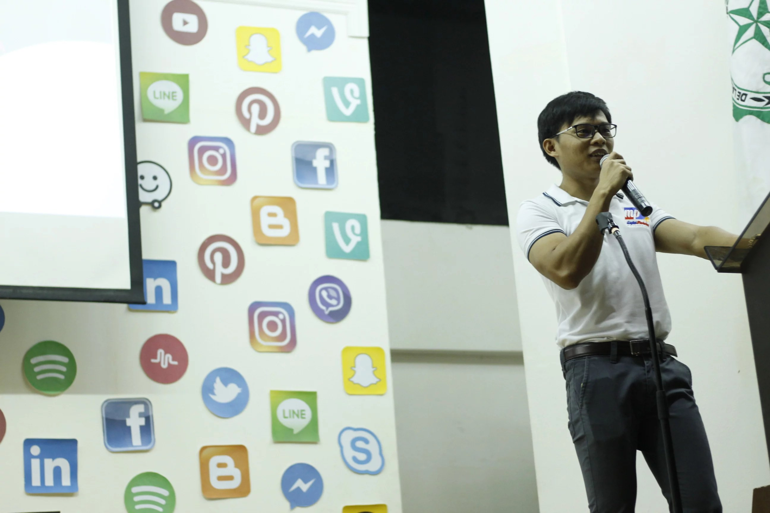 Of degree students, and more. Filipino Digital Marketing, SEO, Social Media Speaker ...