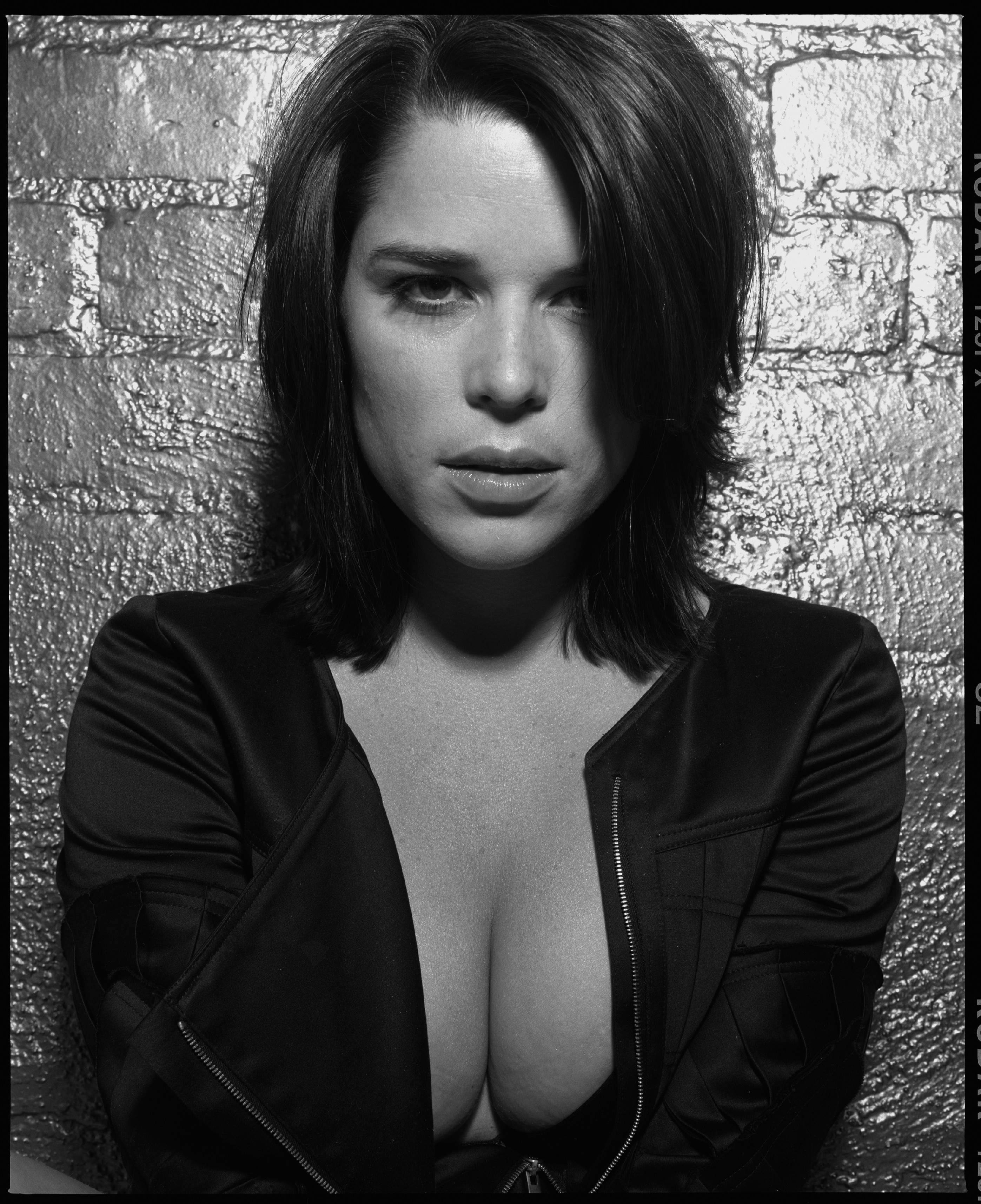 cosmo black leather sofa at costco digitalminx.com - actresses neve campbell