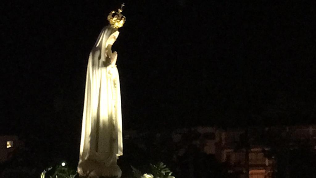 Ntra Senora de Fatima durante la procesion de antorchas