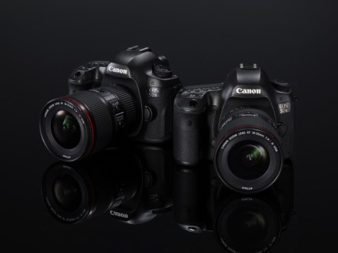 Canon EOS 5DS, EOS 5DS R Instruction Manual Available for