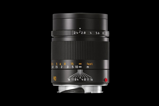 Leica Summarit-M 90mm f2.4 Lens 01