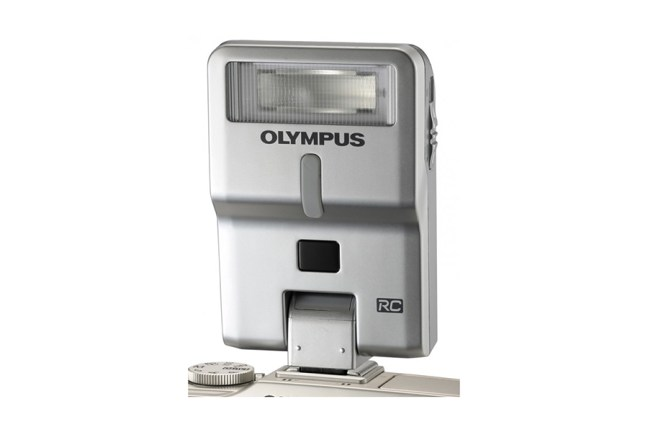 Olympus FL-300R Flash 04