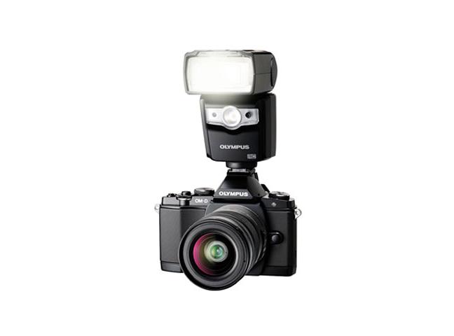 Olympus FL-600R Flash 06