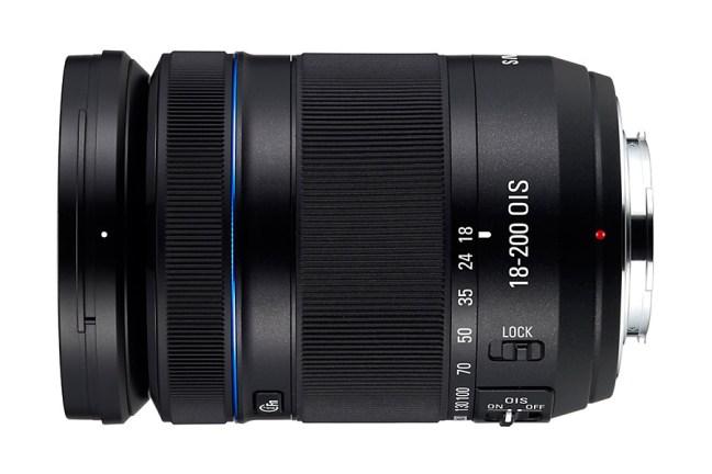 Samsung 18-200mm F3.5-6.3 ED OIS Lens 04
