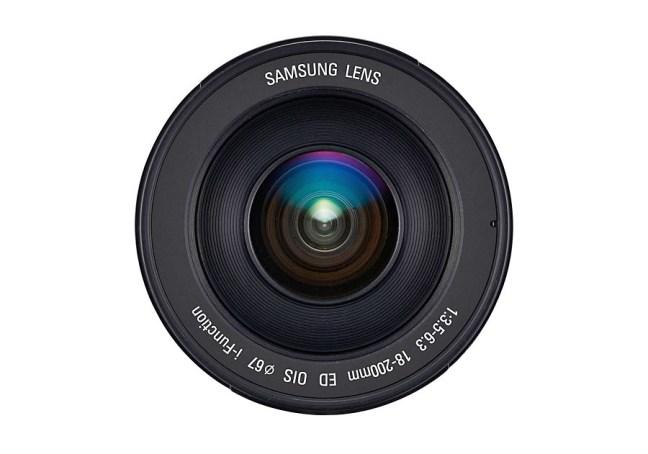 Samsung 18-200mm F3.5-6.3 ED OIS Lens 05
