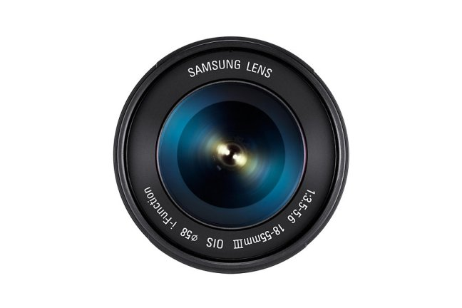 Samsung 18-55mm F3.5-5.6 OIS III Lens 04