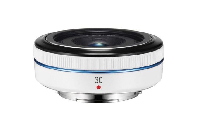 Samsung 30mm F2 Lens 02