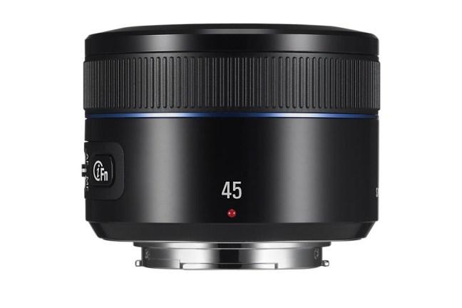 Samsung 45mm F1.8 Lens 04