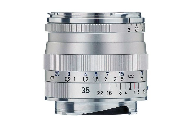 Zeiss Biogon T* 35mm f2 ZM Lens 01