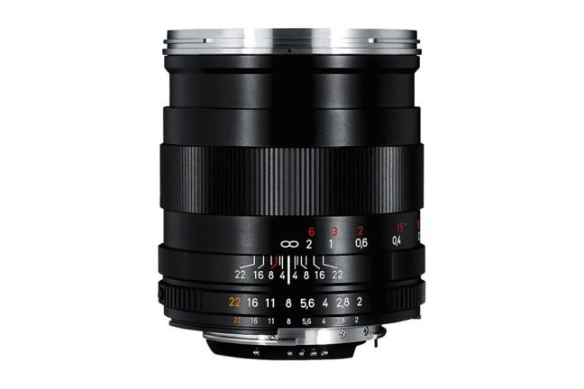 Zeiss Distagon T* 28mm f2 Lens 04