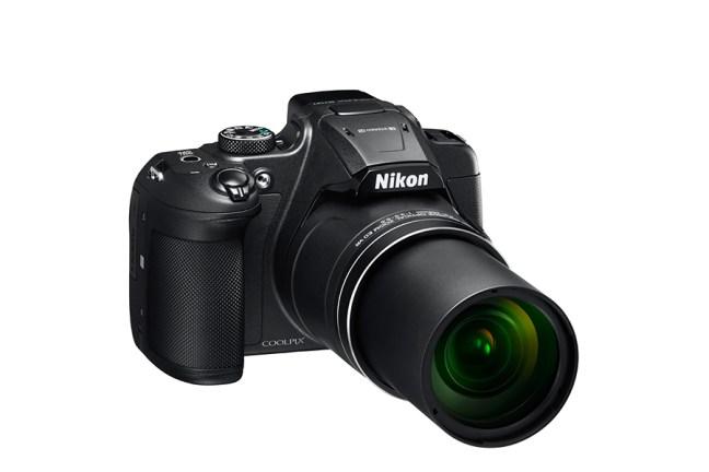 Nikon COOLPIX B700 01