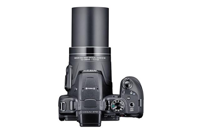Nikon COOLPIX B700 02