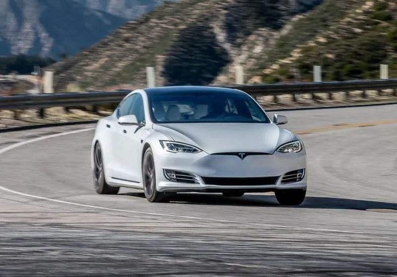 Tesla Model S 2021 konsolu PS5'ten daha güçlü olacak