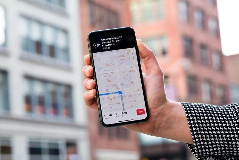 Apple Haritalar, dünyanın dört bir yanındaki havalimanlarında COVID-19 sağlık önlemlerini gösteriyor