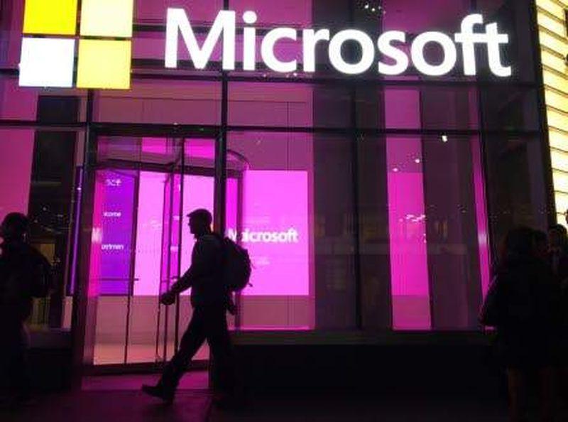 Microsoft, Apple'ın Siri yardımcısını kullanan yapay zeka şirketi Nuance'ı 19,7 milyar ABD dolarına satın aldı