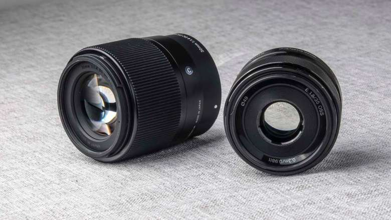 While compact, the Sigma is still almost twice as long as the Sony