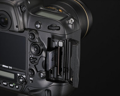 Nikon_D4_Slot_card